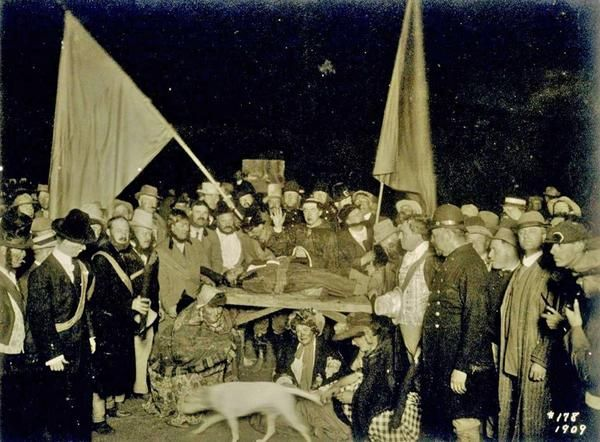 Bohemian Grove sacrifice 1909